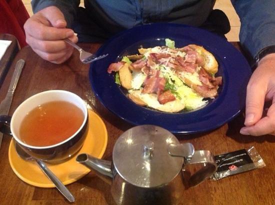 Mac's of Main Street : tasty cesar salad with bacon