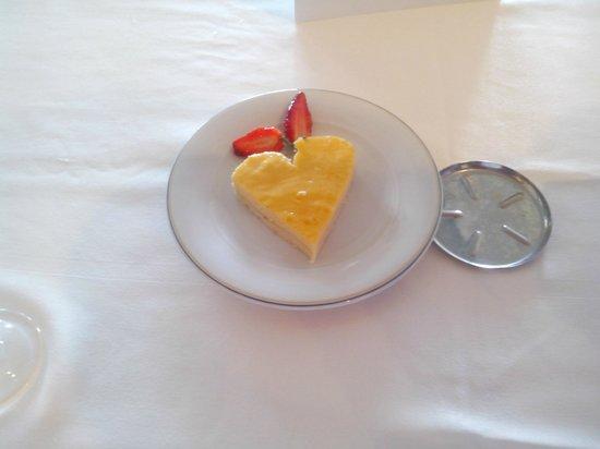 Medina Solaria & Thalasso : comida que me llevo a la mesa el encargado de los camareros Hafedh