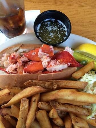Chapin's Restaurant : Lobster Roll  $18