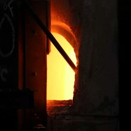 Hollywood Hot Glass: Turn molten glass into your art!
