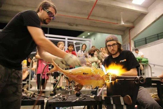 Hollywood Hot Glass: watch live glassblowing for free Thursday-Sarurday night 7-10