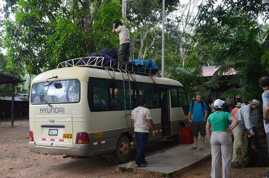 Refugio Amazonas: our bus