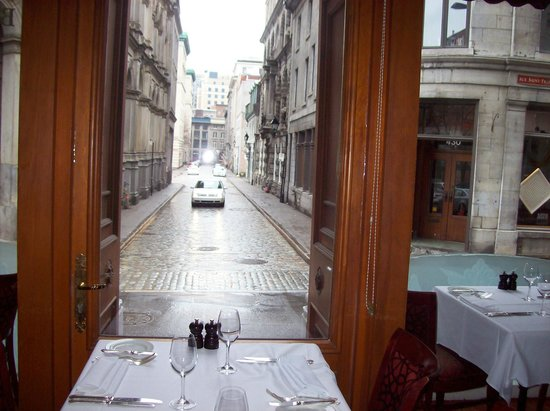 Auberge Bonaparte : View of the street from restaurant