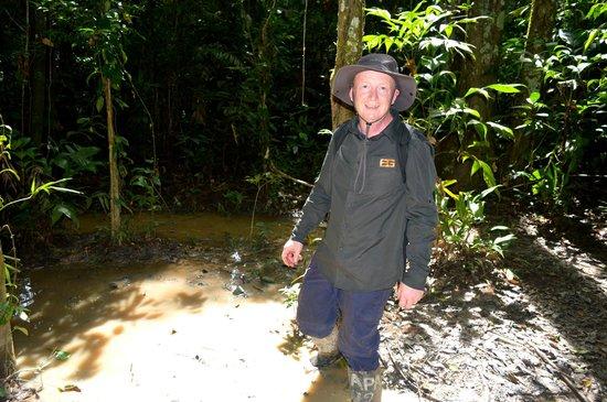Refugio Amazonas: walking in mud