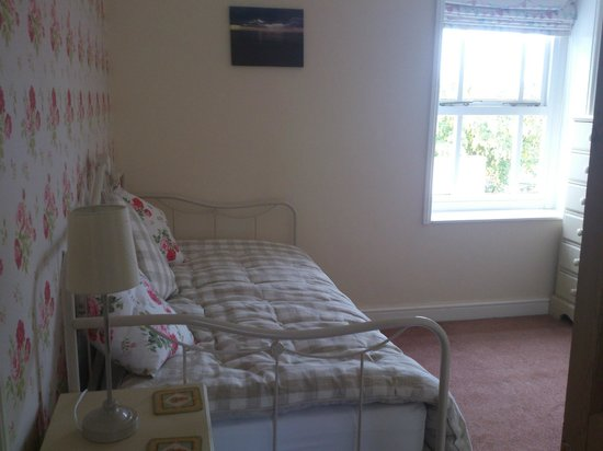 "The Grove: ""nd bedroom"