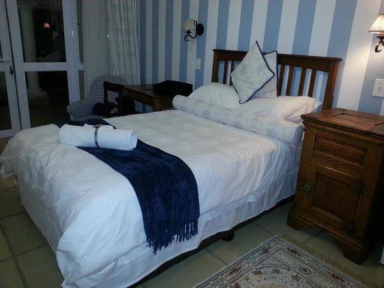 Burkleigh House: Bedroom - Room 3