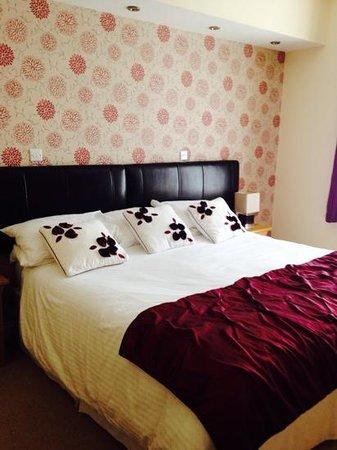 Briarfields: room 4