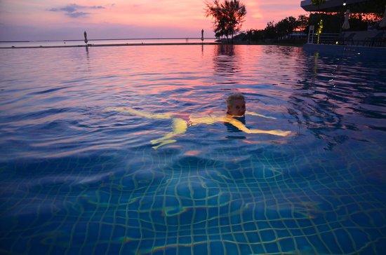Century Langkasuka Resort : Swimming pool