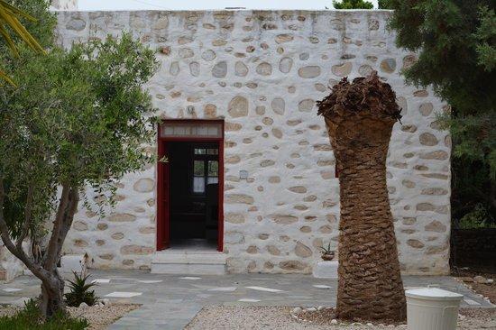 Anezina Village : exterior of Maria room