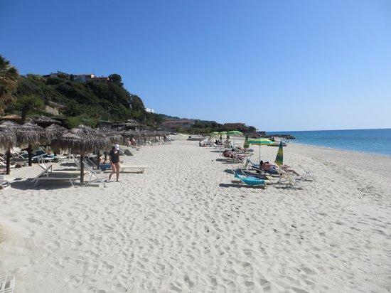 San Nicolo, Italie : Privéstrand van het hotel