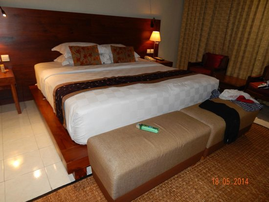 Rama Beach Resort and Villas : Bed