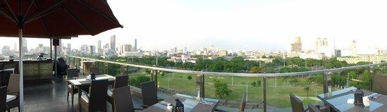 The Bayleaf Intramuros: Panoramaview dakterras