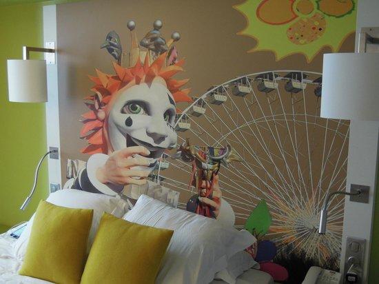 Mercure Nice Centre Grimaldi : The clown in my friends room
