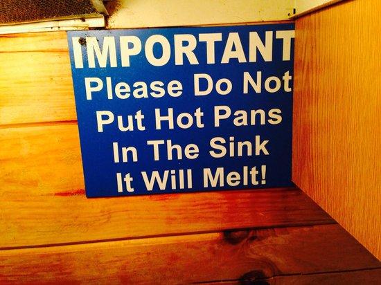 Hummingbird Hill, Ltd - Hocking Hills Cabins: Really, plastic sinks?