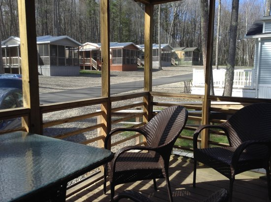 Wild Acres RV Resort and Campground : Our porch view of the neighborhood