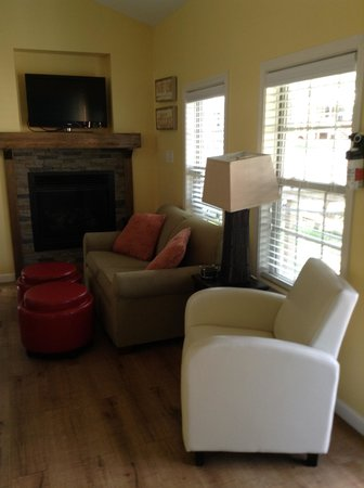 Wild Acres RV Resort and Campground : The living area