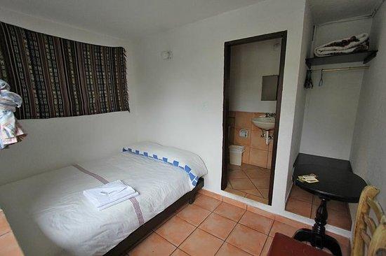 L'Auberge Inn: chambre double avec salle de bain privée