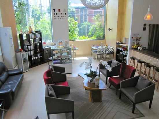 Y2 Residence Hotel: The Coffee, Tea & Juice Bar