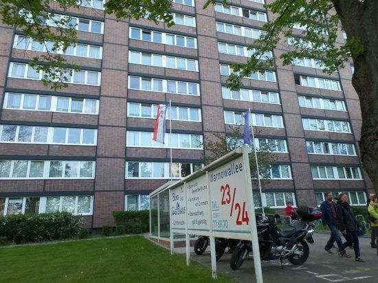 Eingang Gastehaus Rostock Lutten Klein Picture Of Gaestehaus