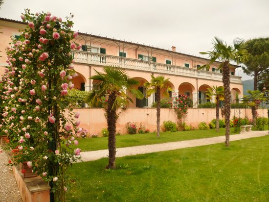 Villa Zuccari : Gardens