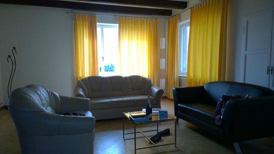 Hotel La Perla: Sitting room in our villa