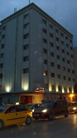 Hotel Le Pacha: STREET