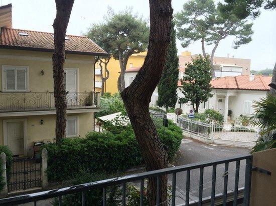 Hotel Puccini: Veduta dal balcone