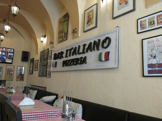 Bar Italiano - Pizzeria: lovely interior