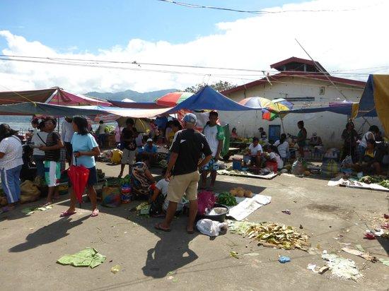 Buhi trAncient's Home: Lokale markt in Buhi