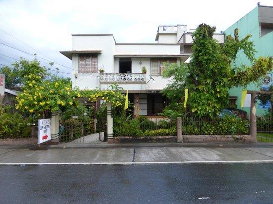 Buhi trAncient's Home: Voorzijde