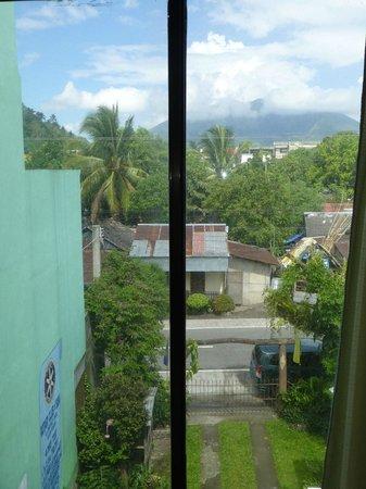 Bicol Region, Filippinerna: Uitzicht vanuit kamer 3b