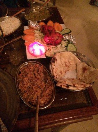 Krishna 13 : ��������excelente comida hindú