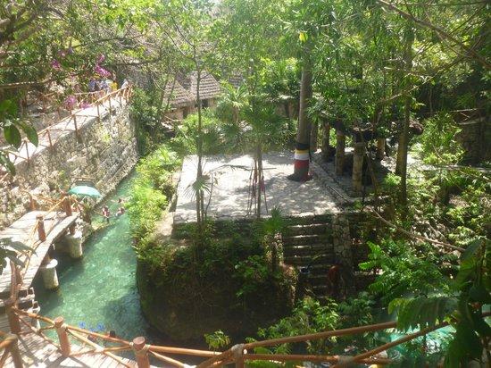 Xcaret Eco Theme Park: pueblo maya