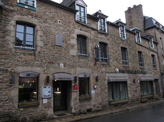 Hotel du Chateau: Exterior