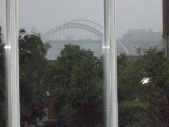 Hotel du Vin & Bistro Newcastle : Fog on the Tyne