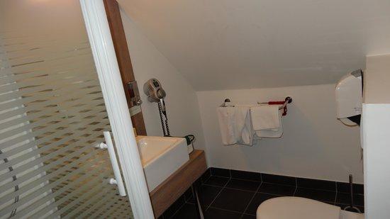 Beaujoire Hotel : Salle de bain
