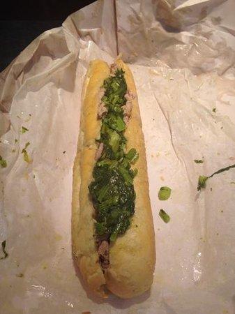 Tommy DiNic's: bocadillo típico de Filadelfia. Con grelos