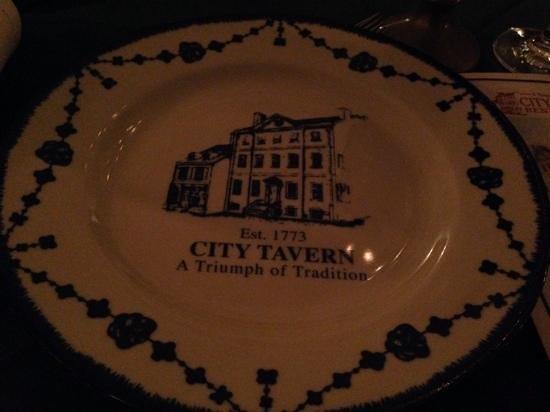 City Tavern: plato