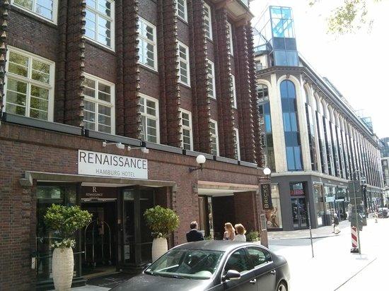 Renaissance Hamburg Hotel : Außemamsicht