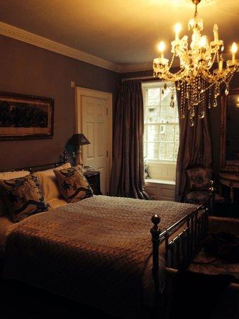 Castle Inn Hornby: Room 2, stunning room.