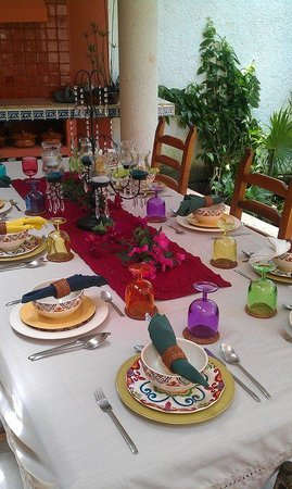 Can Cook in Cancun : Lovely table setting outside