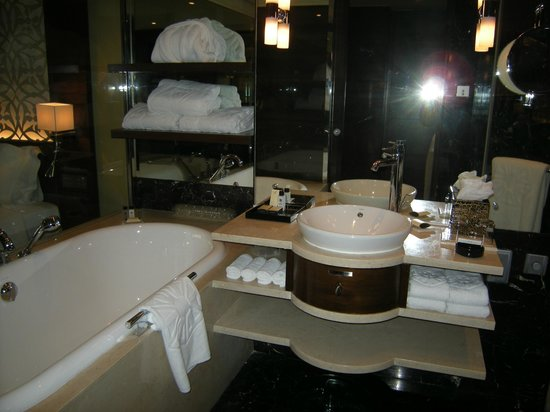 Taj Palace Hotel : Bathroom