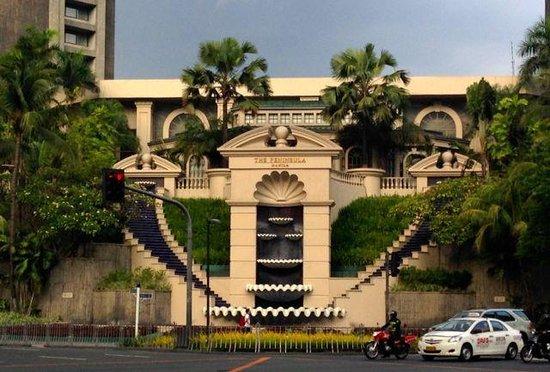 The Peninsula Manila: Exterior