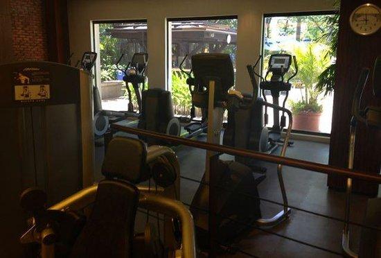 The Peninsula Manila: Cardio area of gym