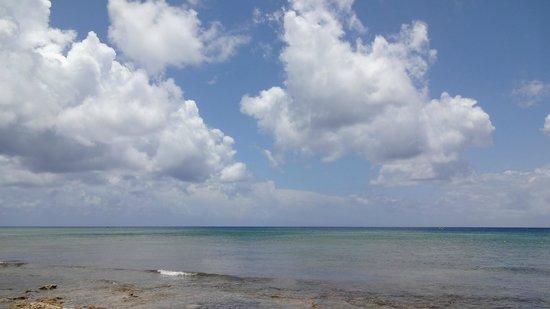 Iberostar Cozumel : Nubes sobre la playa