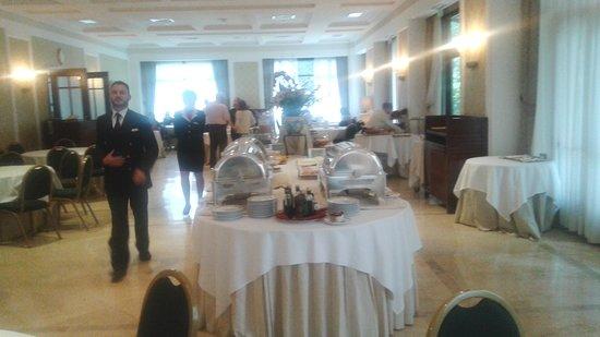 Mercure Catania Excelsior : sala colazione