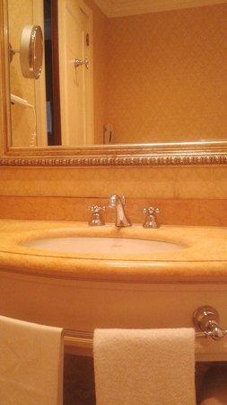 Mercure Catania Excelsior : lavabo