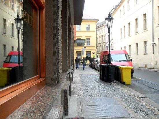 Central Hotel Prague : calle del hotel