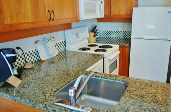 Alpenglow Lodge : Fully Equipped Kitchenette