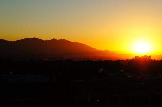 Hampton Inn & Suites Salt Lake City/University-Foothill Dr.: Sunset, from the balcony.
